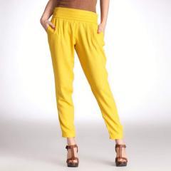 Pantalón estilo chándal