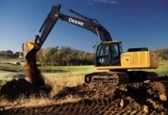 Excavadora 200D LC
