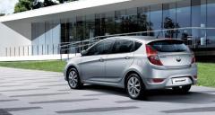 Automóvil Hyundai Accent Hatchback