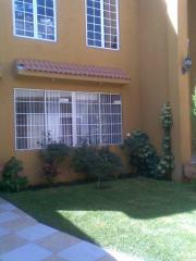 Exelente casa 4 recamaras cochera 4 baños jardin