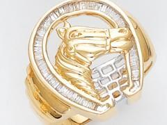 Anillo de oro amarillo con diseño de caballo de